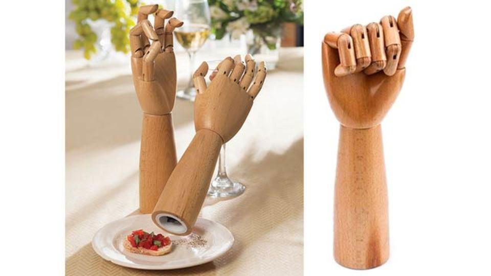 好きか嫌いか人それぞれ…手首をひねって使う腕型のペッパーミル