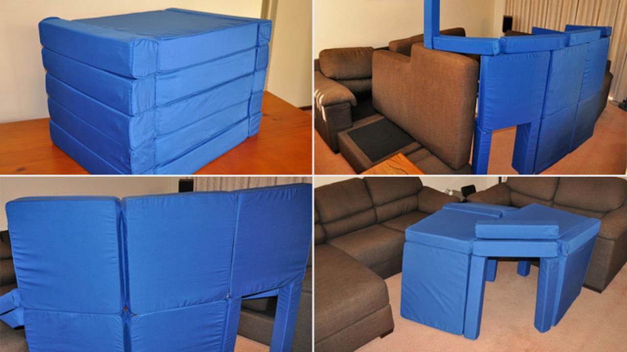 磁石でくっつけて家の中に「柔らか砦」を造れるクッション