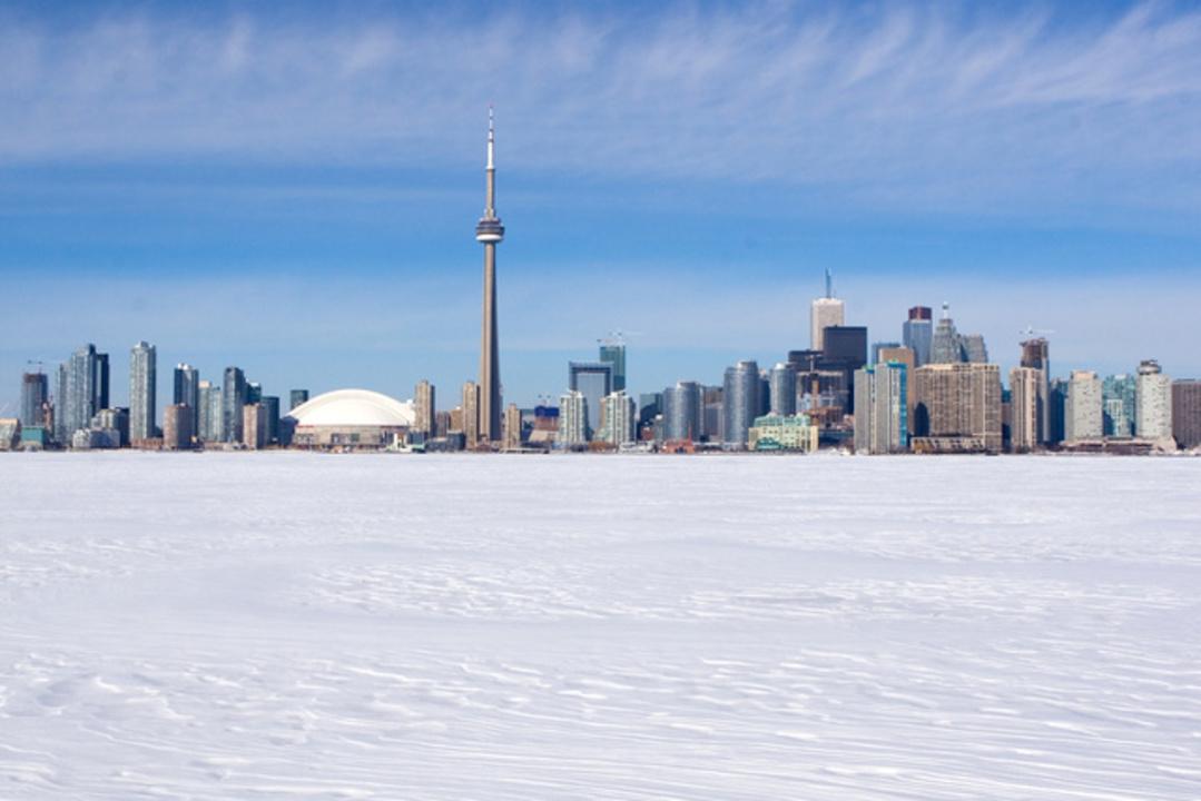 カナダ寒過ぎて地下から爆音、氷震うるさくて眠れない人も