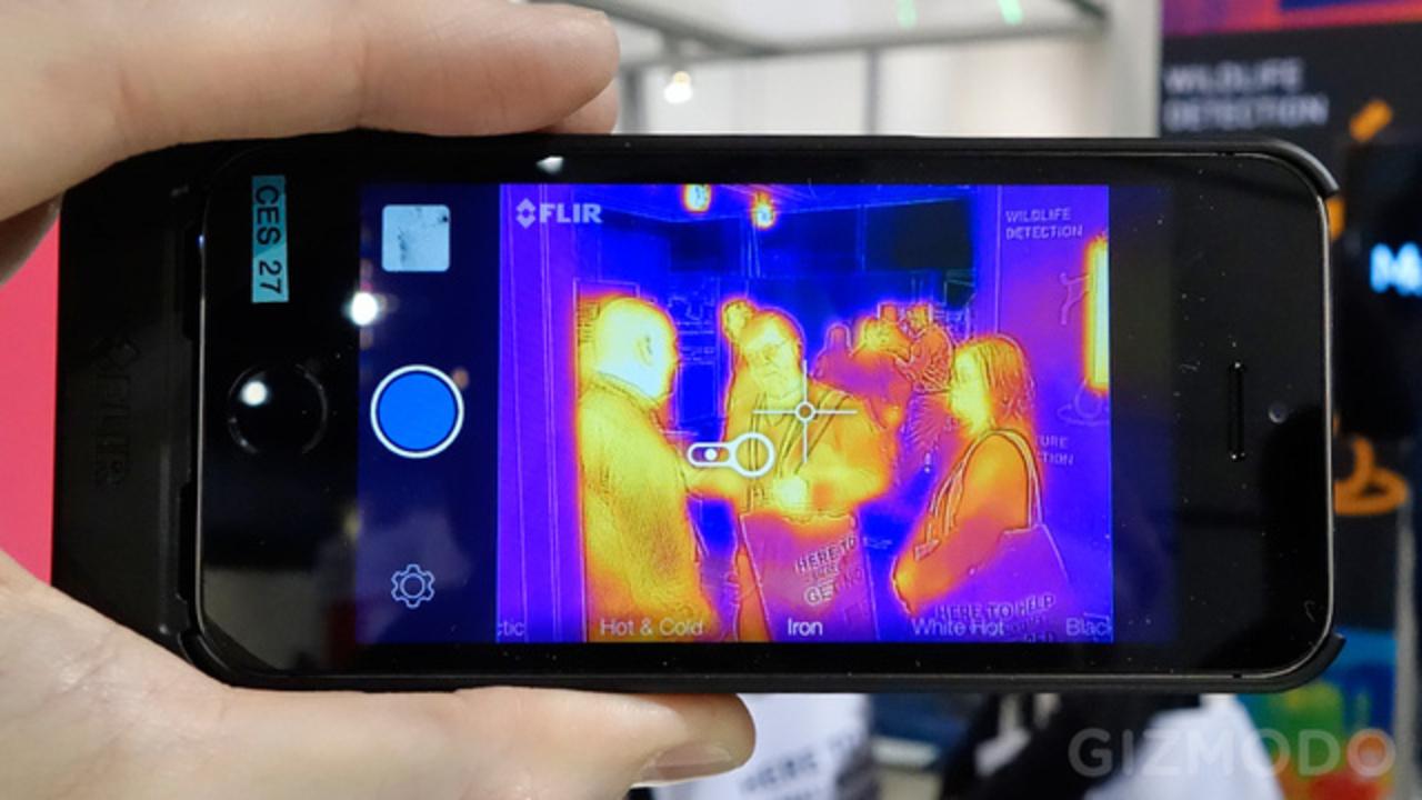 iPhoneがサーマルカメラになるケース「FLIR ONE」