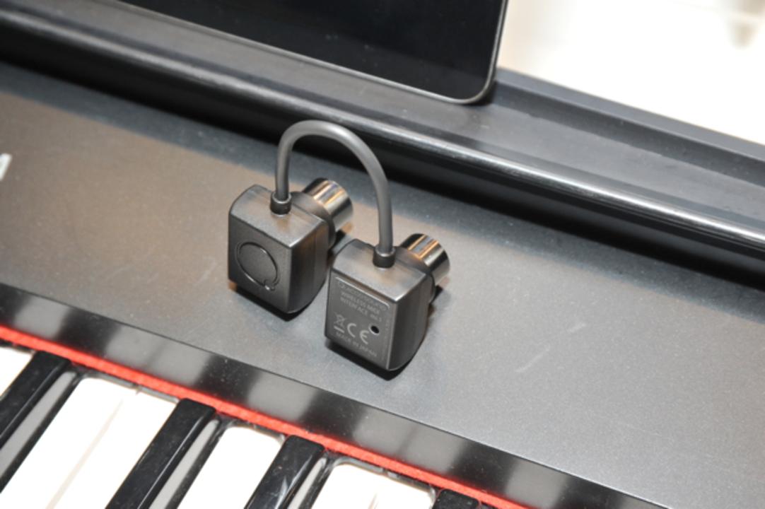 MIDI信号をBluetoothでiPhone/iPadに飛ばせる「mi.1」