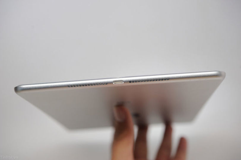 新型iPad Airの最新リーク画像が届いたよ。めっっちゃ薄いやつだ