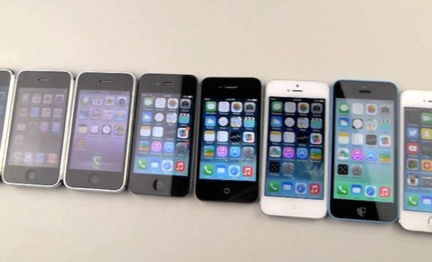 歴代iPhoneを全て落としてみたよ。その結果は…
