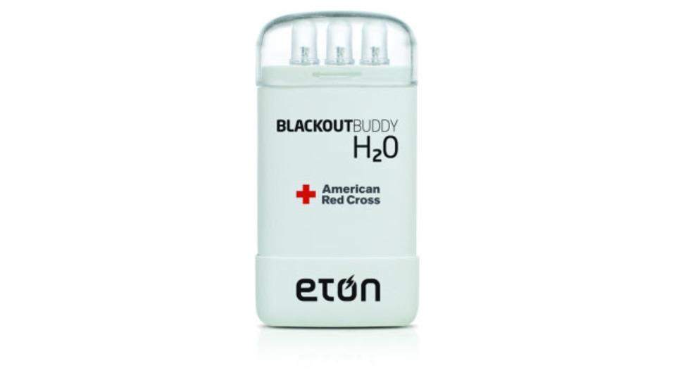 水だけで3日持つ、緊急時に便利なバッテリー要らずのランプ