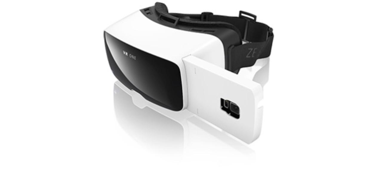 カールツァイスからスマホ装着型ヘッドセット「VR One」登場