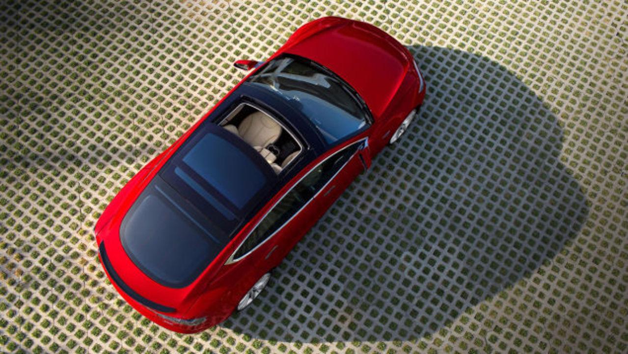 ヘルキャット級のEV登場。テスラ、モデルS新型Dのすごさまとめ