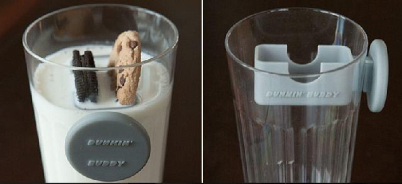 オレオを牛乳の中に浸すためだけに生まれた器具。決め手は磁石