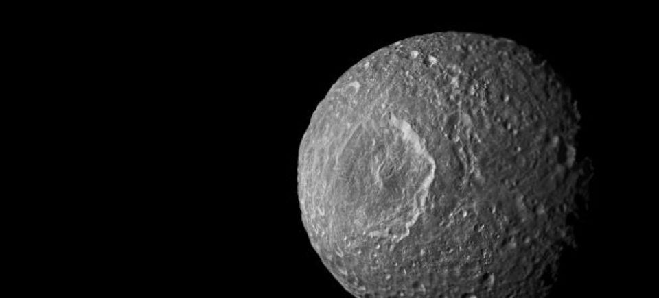 土星の衛星の1つに地下海が存在する可能性? NASAによる指摘