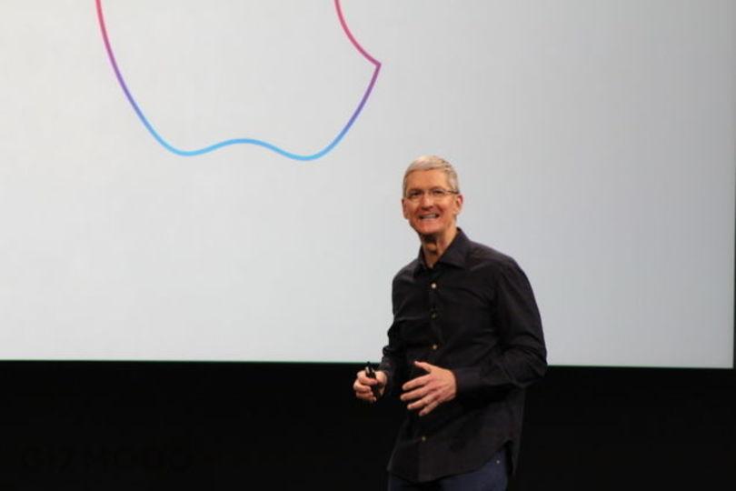 アップルCEOティム・クックはもっとお洒落になるべき? NYタイムズの提言