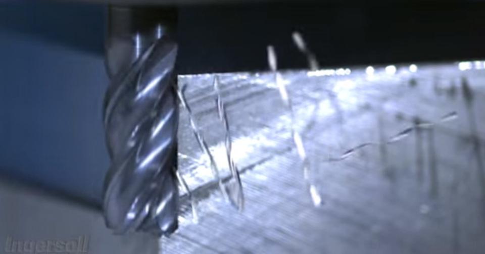 金属がプリンに見えてくる…スローモーションマジック