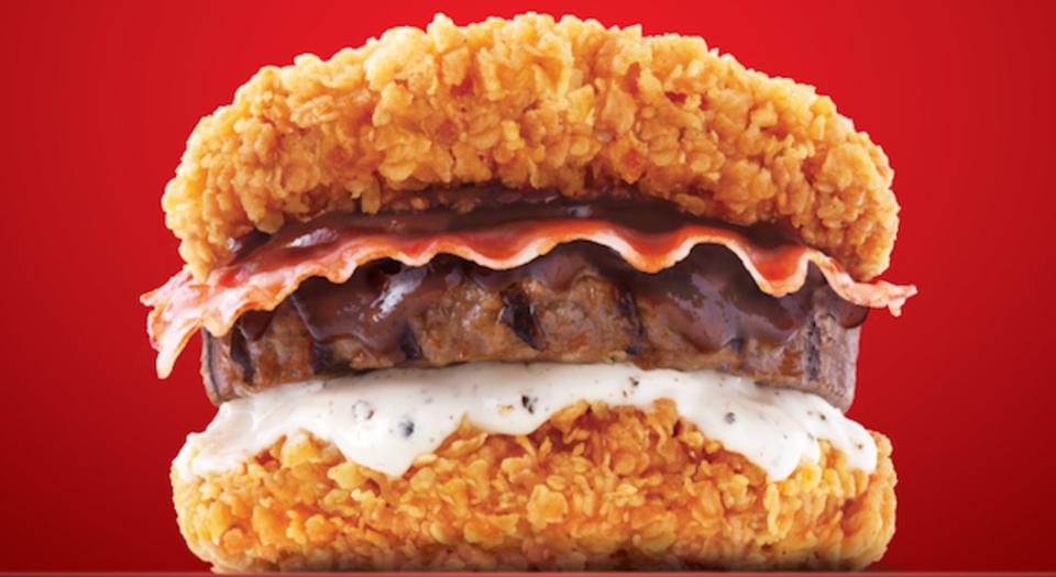 バンズなんていらねぇ、3種の肉で作られた究極のハンバーガー登場!