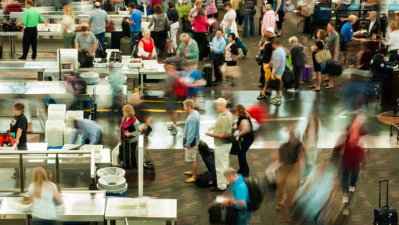 空港内でのWi-Fi接続で、セキュリティチェックの待ち時間がわかるように