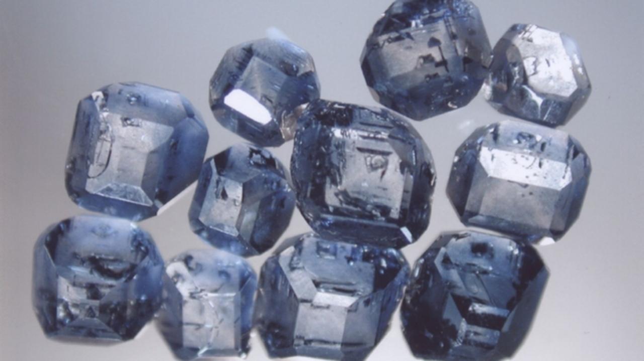 故人の遺灰をダイヤモンドにする技術が開発される