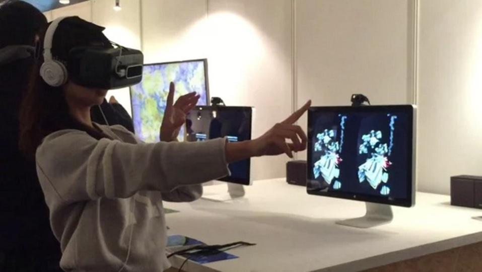 11月3日まで。Oculus RiftとLeap Motionで仮想空間に「音とイメージを描く」体験をしに行こう