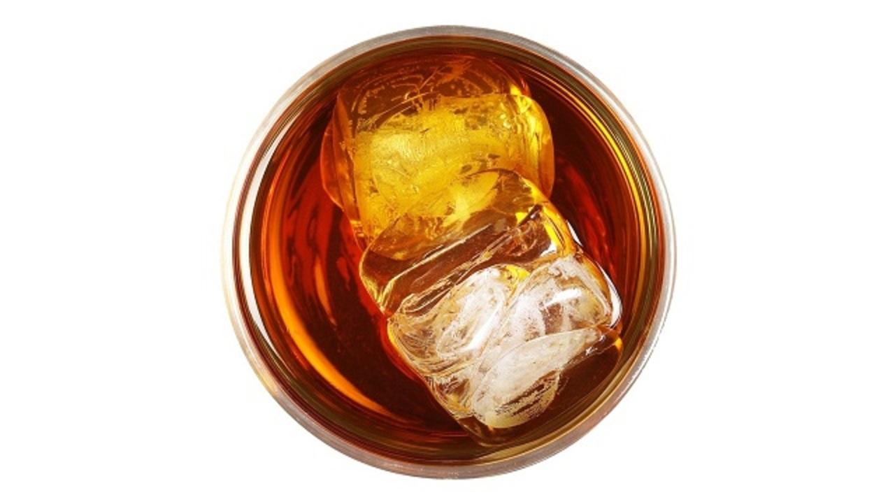 山崎が世界一のウィスキーに。英米の反応