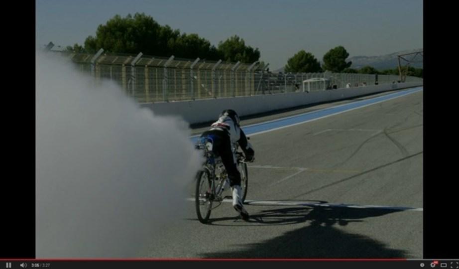 自転車×ロケットエンジン=333km/hでフェラーリより速い原付に