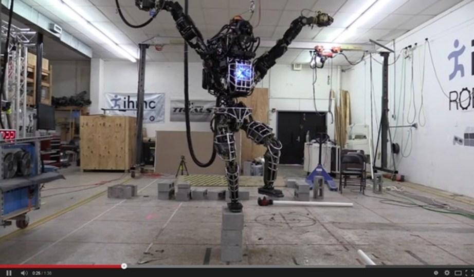 DARPAの人型ロボットAtlas、ベスト・カラテ・キッドになる
