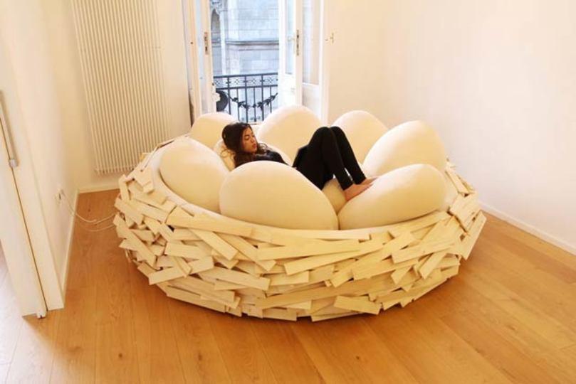 鳥の巣の中で眠りたい…