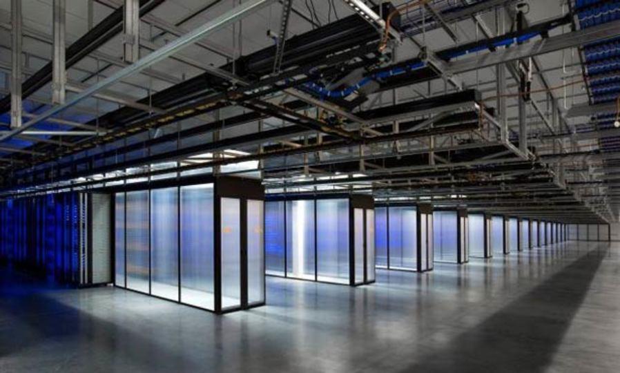 Facebook、風力発電のデータセンター始動