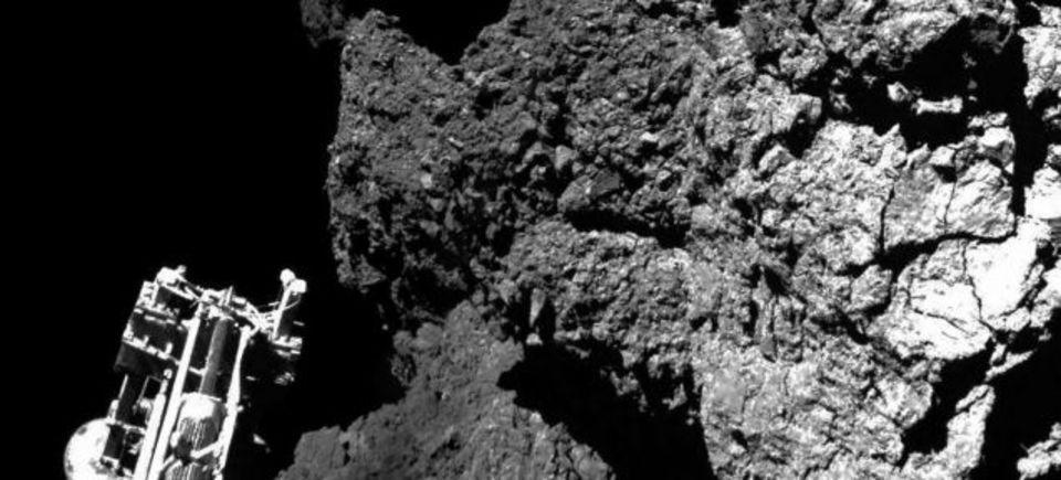 彗星着陸機フィラエ、眠る前に生命の起源に迫るデータを送信