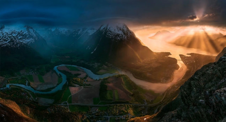完璧すぎて夢かと…。地球に存在する「本物の景色」集