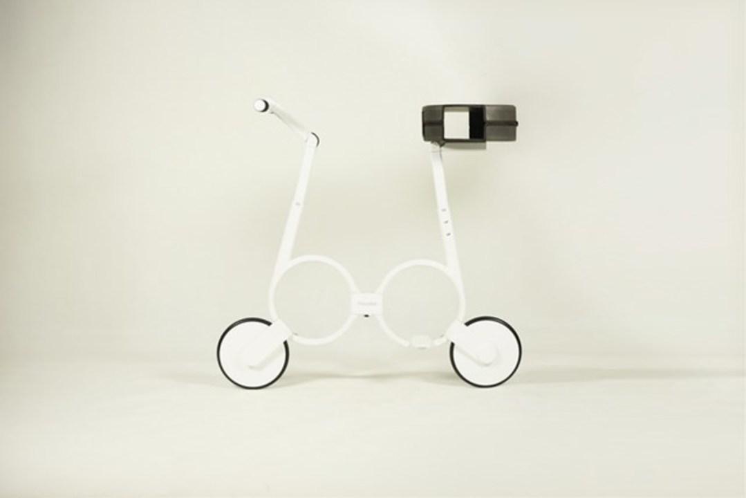 たったの5kgで持ち運びラクラクな折りたたみ電動バイク「Impossible」