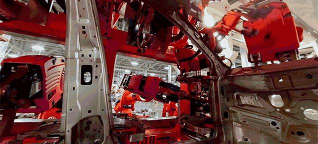クライスラー、Oculus Riftで製造中の車内体験プロモ