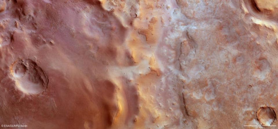 絶対零度。火星の霜は二酸化炭素でできている