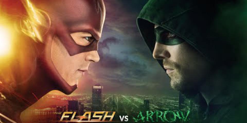 DCヒーローの「フラッシュ」と「アロー」がついに殴り合いで共演!