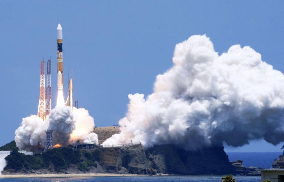 はやぶさ2で日本のロケット発射場がボンド映画の悪役の秘密基地みたいだと話題