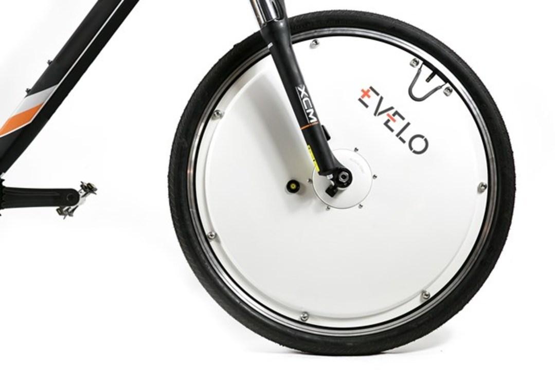自転車が二輪駆動になる電動アシストホイール「Omni Wheel」