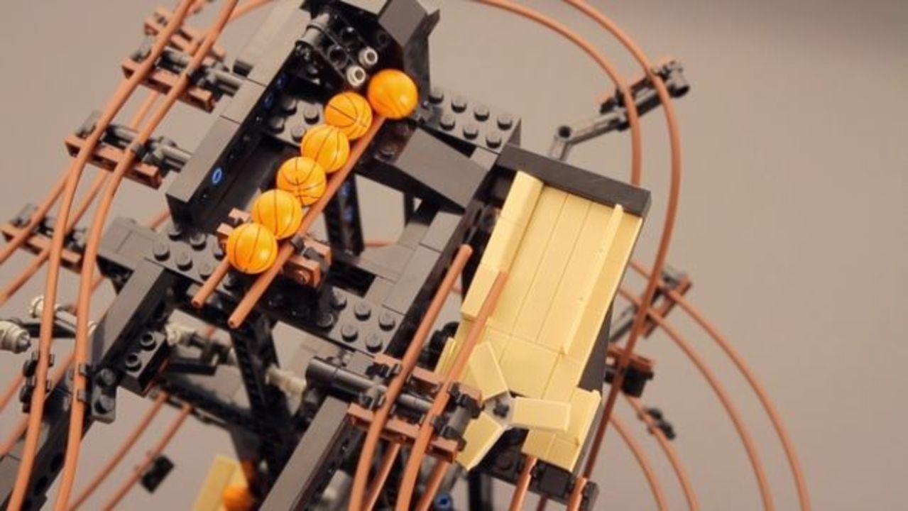 レゴとドミノを自由に組み合わせて、物理学を楽しもう