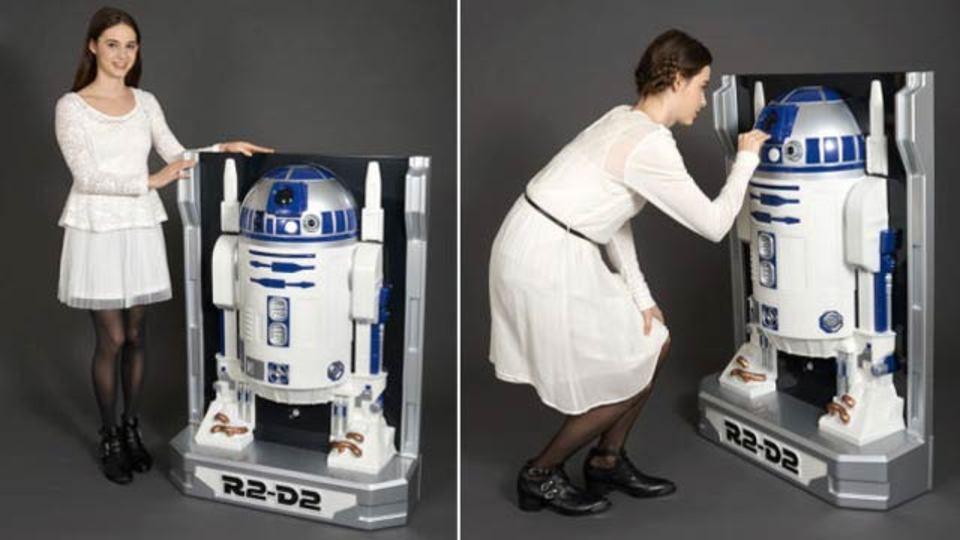 しゃべる等身大R2-D2、正面からだけ見てください