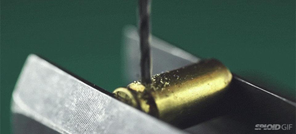 本物の「弾丸」を「ヘッドフォン」に変える方法