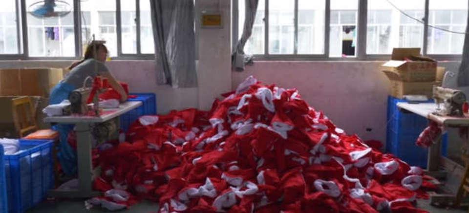 中国の「Xmas村」で、世界のオーナメントの6割が作られている