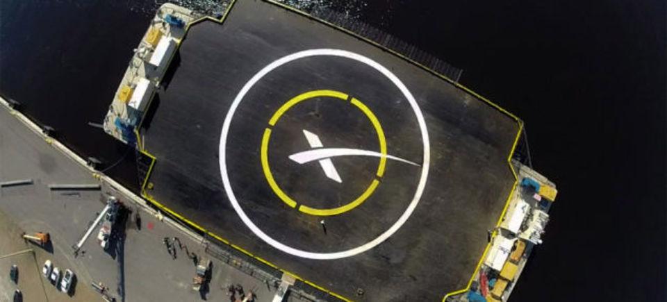 打ち上げたロケットを海上のはしけに再着陸可能に