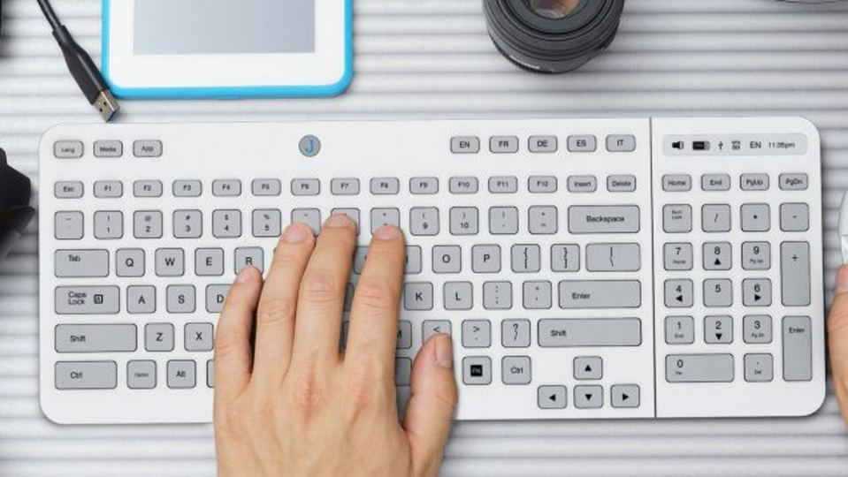 盤面を自由に変えられるE-Inkのキーボードが間もなく登場