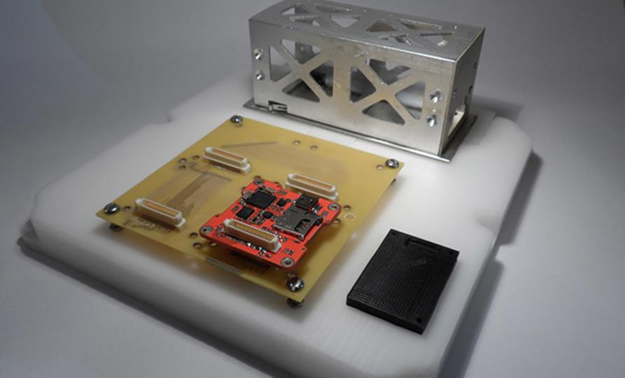 2015年は人工衛星を自作しよう…ネットでキット販売中