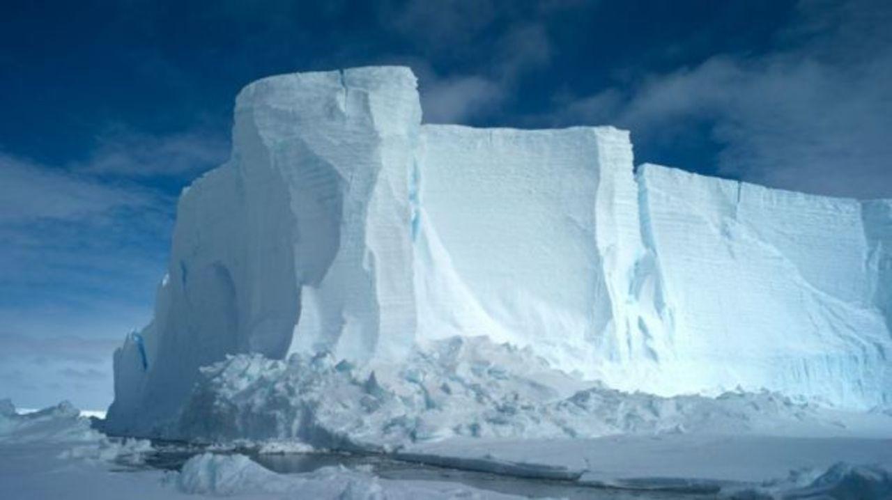 最先端GPSで南極の氷をリアルタイム観測