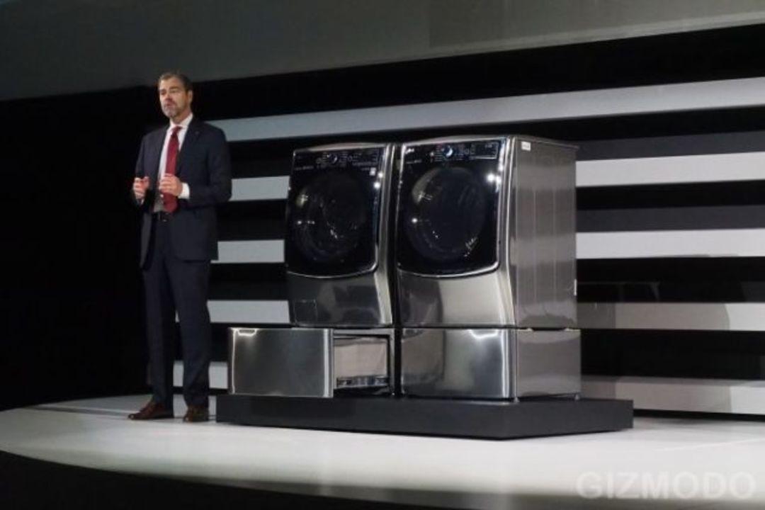 LGの新家電。洗濯機の下にミニ洗濯機!