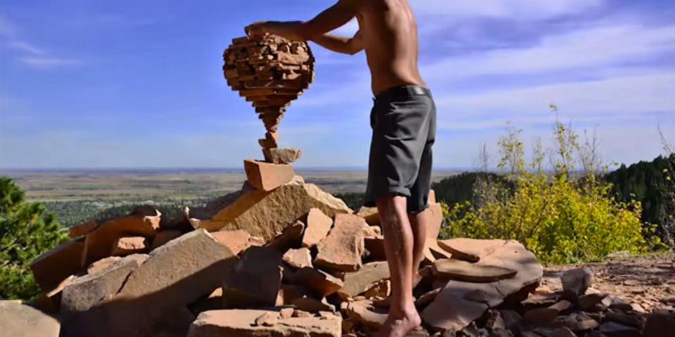 まるで接着剤を使っているかのような石積みアーティストの作品たち