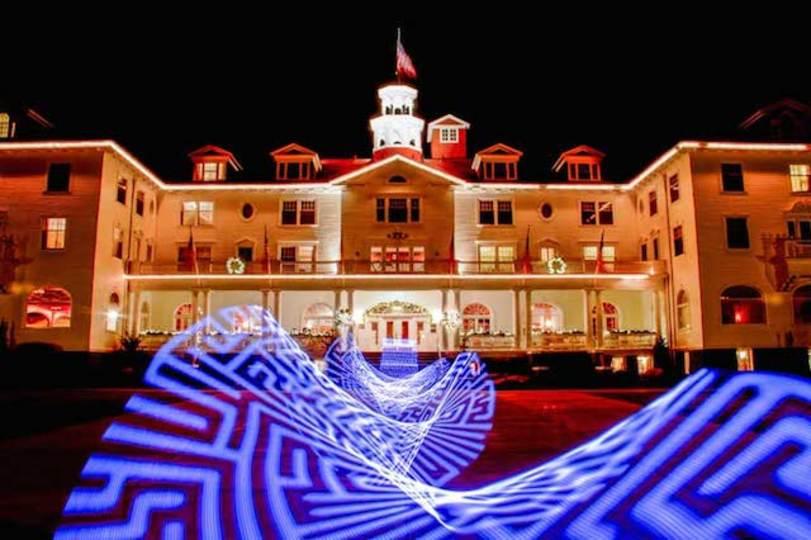 映画「シャイニング」のモデルとなったホテルがあの迷路のデザインを募集