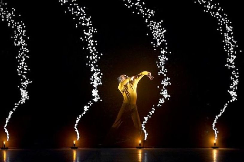 ダンスと映像が創り出す詩的な世界「Pixel」