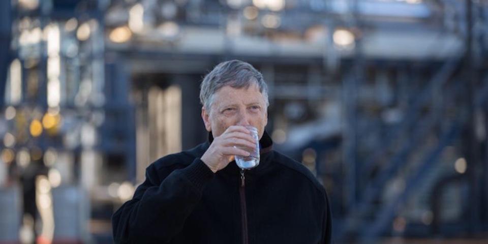 ビル・ゲイツも驚きのウンチから飲み水を作る究極のマシーン