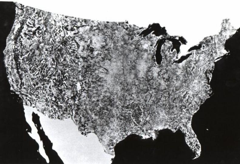これが史上初のアメリカ全土を収めた衛星写真