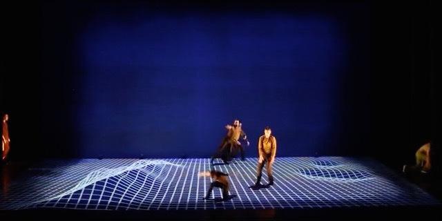 プロジェクションマッピングとダンスが融合したパフォーマンス「Pixel」が美しい