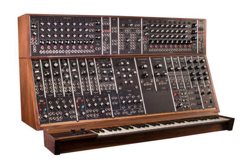 Moogの巨大モジュラーシンセ、復刻版登場で延命