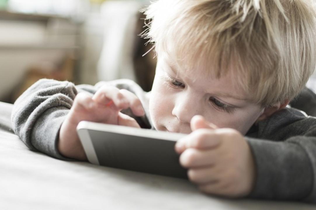 5歳児のスマホ使用、日本で半数超か…ジレンマもあり