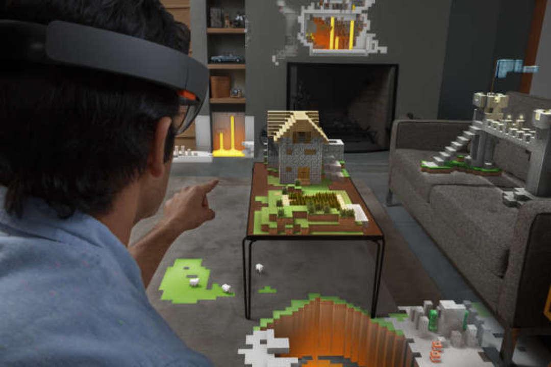MS流VRゴーグル「HoloLens」にハンズオン