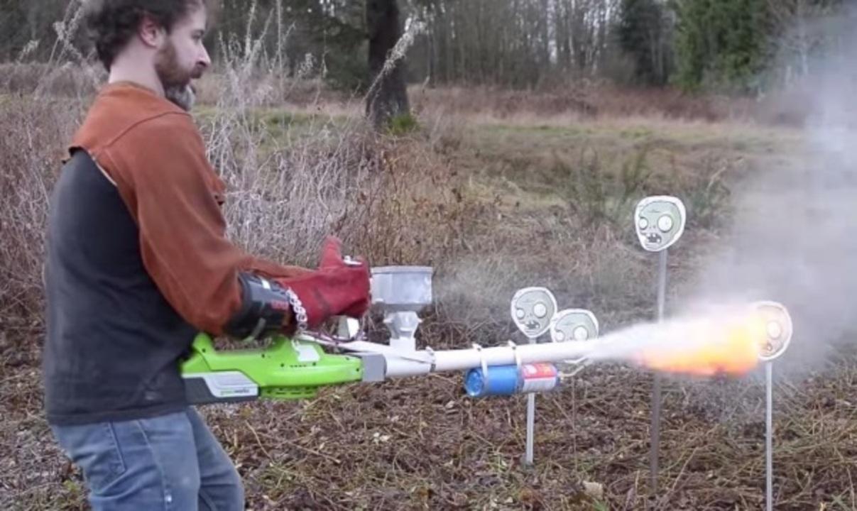 3Dプリンターで、火炎放射器を自作する輩が現る
